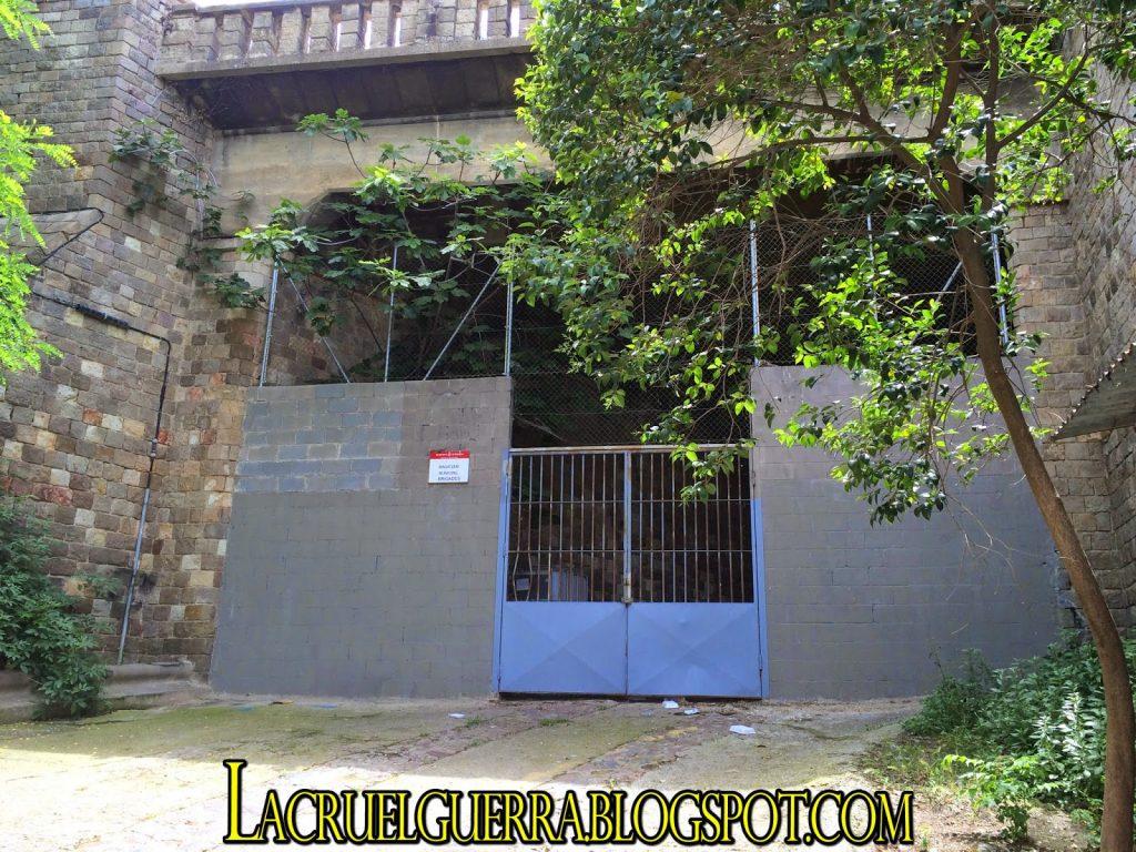 antigua entrada tuneles montjuic